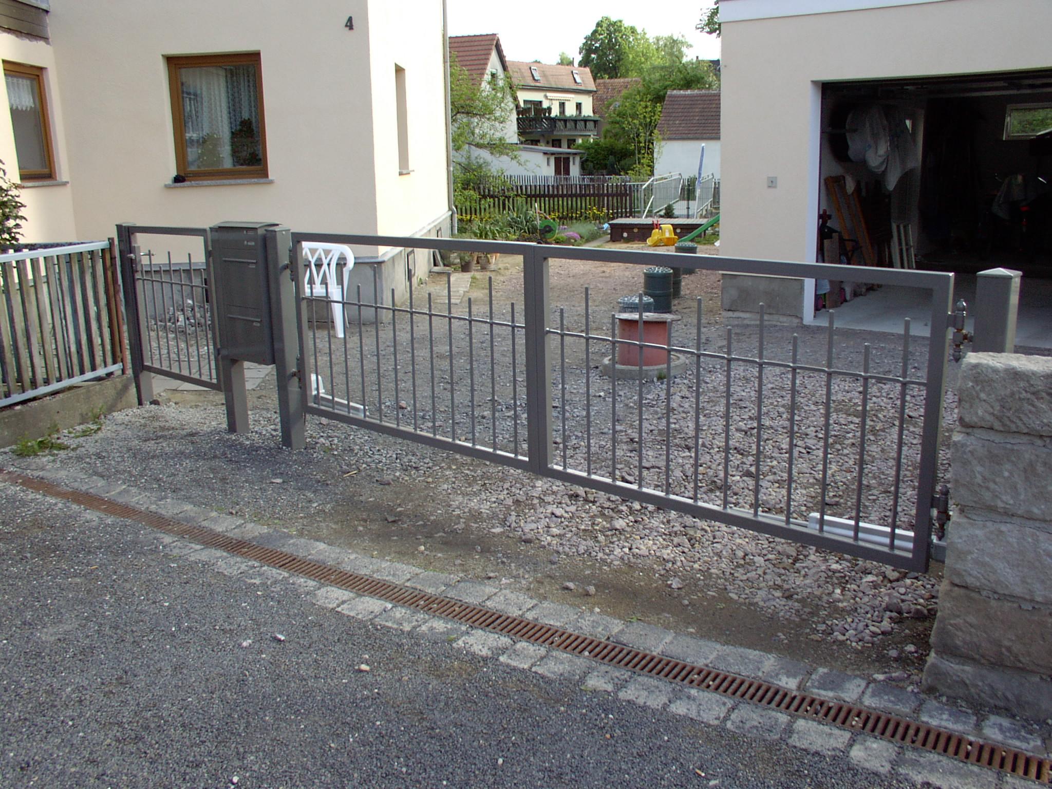 Zäune und Hoftore