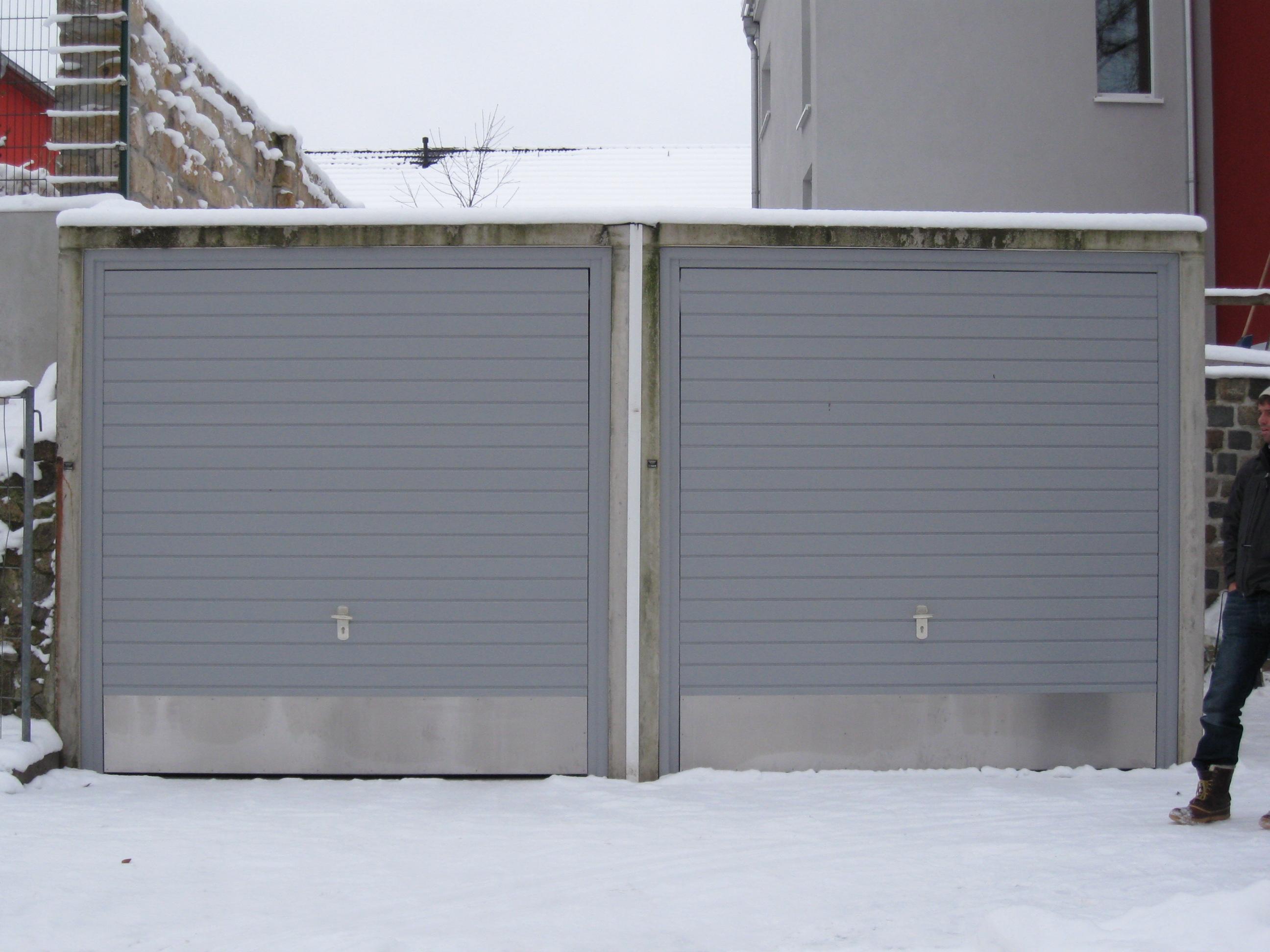 Garagenschwingtor